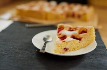 Jaglane ciasto z truskawkami – tylko 6 składników!