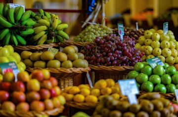 Lipiec – czas na czerwone owoce i zielone warzywa